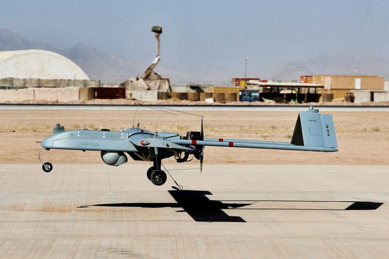 RQ-7 Shadow 200 [Commonwealth of Australia - Department of Defence/Bombardier Carly McAllister] #1